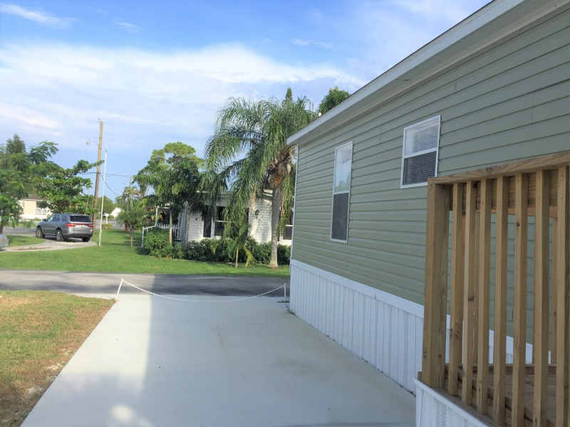 7 Rachel Rd,Lake Worth,Florida 33463,3 Bedrooms Bedrooms,2 BathroomsBathrooms,Mobile Homes,Lago Palma,Rachel Rd,1065