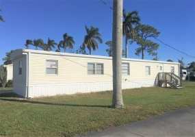14 Bridgette Blvd,Lake Worth,Florida 33463,2 Bedrooms Bedrooms,2 BathroomsBathrooms,Mobile Homes,Lago Palma,Bridgette Blvd,1085